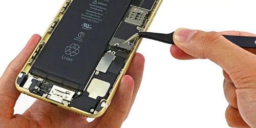 Hạn chế tình trạng báo pin ảo trên iPhone như thế nào?