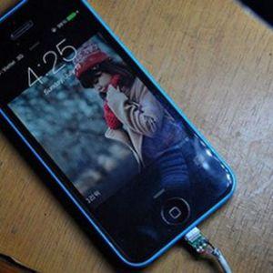 Bạn đã biết cách nối dây sạc iPhone bị đứt chưa?