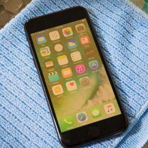 Màn hình iPhone 6 bị ố vàng xung quanh sửa lấy ngay