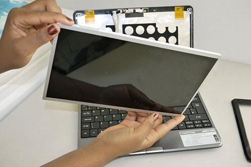 Tại sao nên làm mới màn hình laptop HP tại thaymatkinhdanang.net?