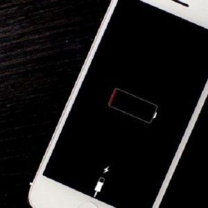 Tại sao iPhone sạc không vào pin